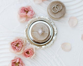 Fawn Circle Velvet Ring Box Double or Single Slot Wedding Photography Flatlay Styling Engagement Gift beige tan