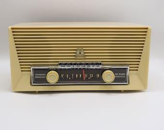 Mid Century Motorola Volumatic 57x2 Tube Radio - 1956