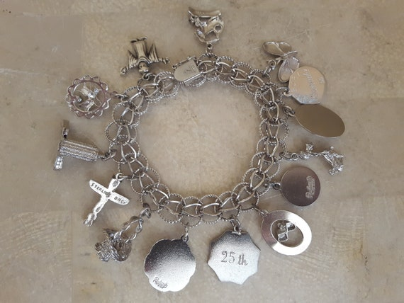 Vintage Sterling Silver Charm Bracelet with 14 Ch… - image 10
