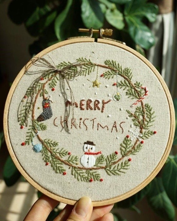 Christmas embroidery pattern PDF- Instant Download Digital- Winter - Hand embroidery tutorial - Christmas hoop art - embroidery design decor