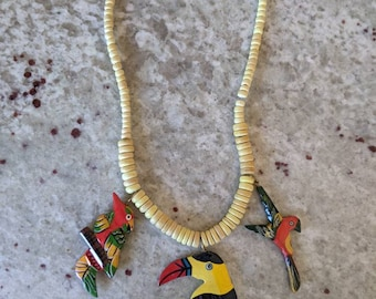"""80's Yellow Wood Parrot Necklace 17"""" - 18"""""""