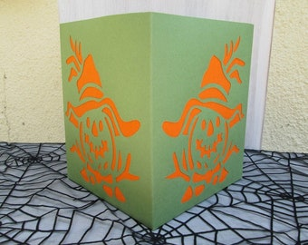 Lantern scares Halloween deco paper and crepe