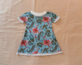 Organic cotton flowers baby dress, small sleeves, lace