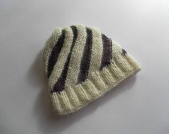 Child cap spiral purple and white laine alpaca mohair