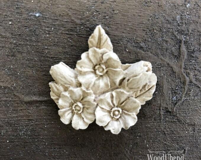 "WoodUBend Flower Garland WUB0350 1.38 x 1.18"" - ADVANCED SALE, Due in Stock Oct 31st"