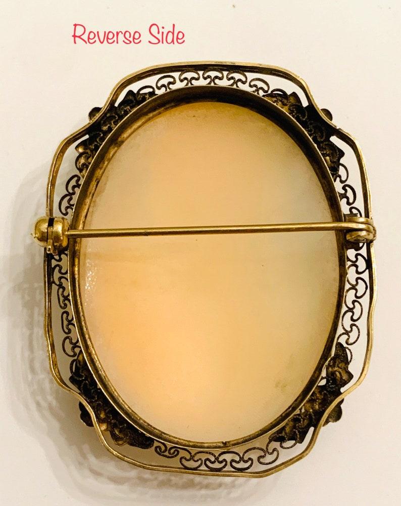 Vintage Filigree Cameo Brooch; 1 34\u201d x 1 38\u201d