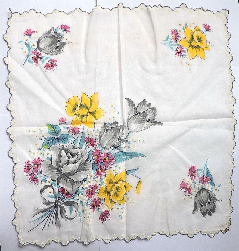 Vintage Floral Print Hankie Daffodils