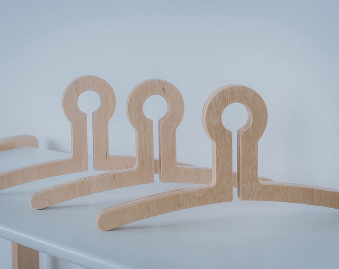 Wooden hanger for kids Woodjoy set of 3