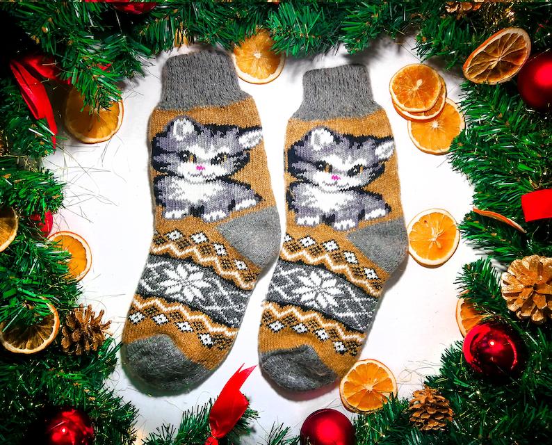 Best New Year Christmas Winter Woolen warm Knitting Socks for Women Best gift Colorful Fluffy Socks with Grey Little Kitten Cute Pussy
