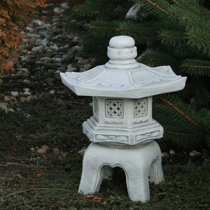 40 cm Gold frost-resistant Yukimi Oki Gata Japanese stone lantern made of cast stone