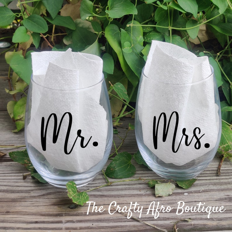 21 oz Mr /& Mrs Stemless Wine Glass Set Valentines Gift Wedding Gift Anniversary Gift Couples Gift Newly Wed Gift
