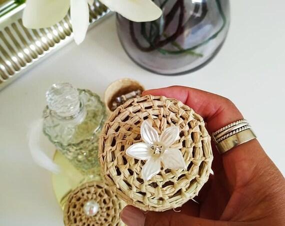Boîte à bijoux porte-alliance KAILY élégante et minimaliste chic pour ranger bracelet, bague, broche, collier