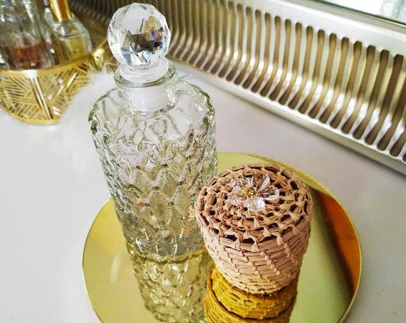 Elegant encrusted jewelry box handmade with natural raffia & cristal flower - necklace box, ring box, bracelet box, green box
