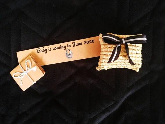 Personalized pregnancy announcement gift box for grandparents in its raffia box - handmade