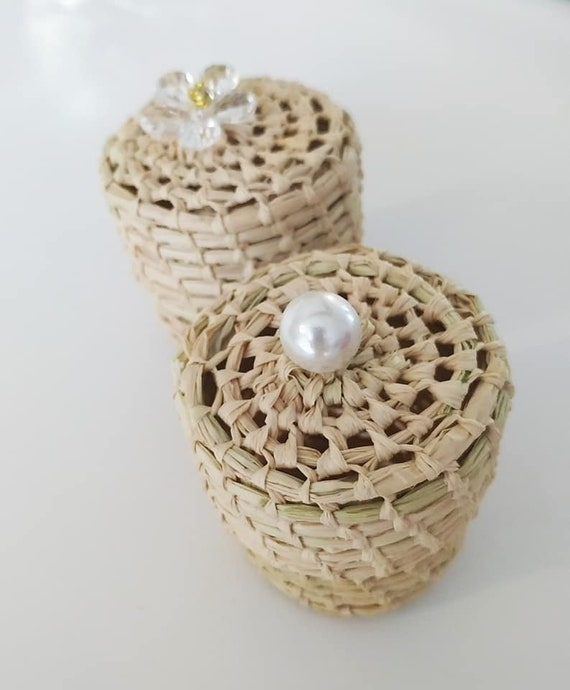 Favor & pearl - Romantic, rustic, summer, boho greenery wedding, baby shower, baptism - Available in white ivory, red, pink, grey, blue