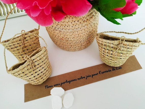 Mini basket for favors and candies with natural raffia for baby shower and baby 1st birthday guest gift-  handmade