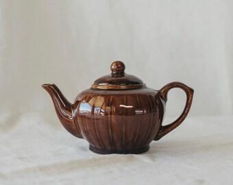 Dark Brown Striped Gloss Teapot