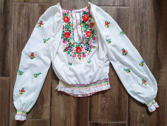 Vintage Hungarian matyó embroidered floral blouse