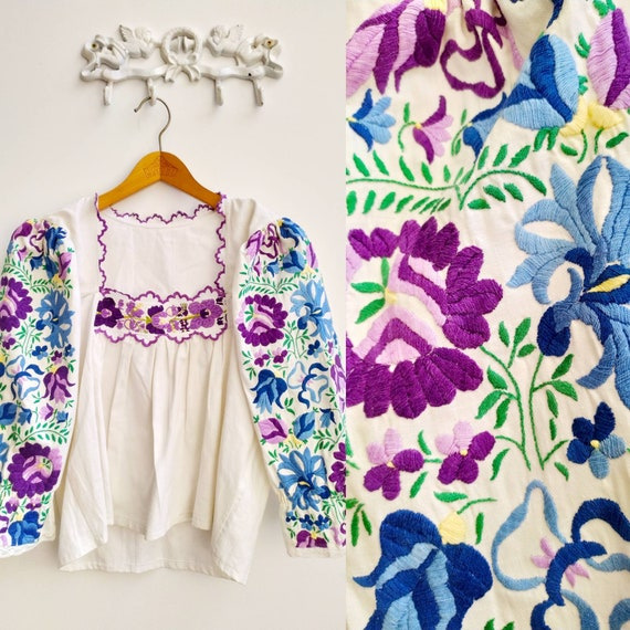 Vintage Hungarian floral embroidered blouse with p