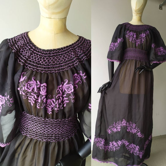 Vintage sheer Hungarian floral embroidered see thr