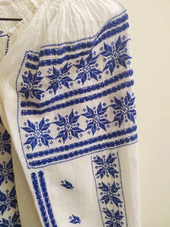 Vintage Romanian blouse - image 3