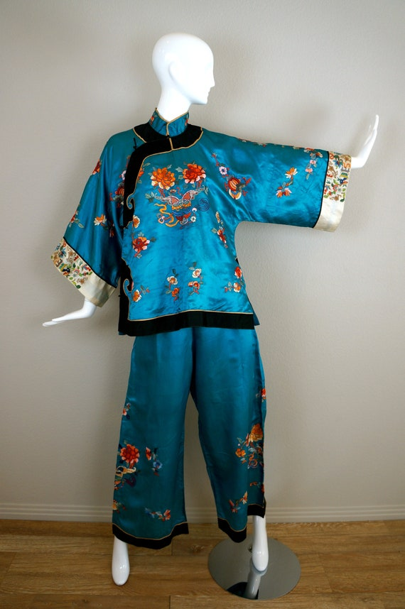 30s 40s Vintage EMBROIDERED ASIAN Pajamas Jacket &