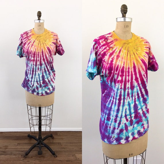 1970s Vintage COLORFUL TIE DYE Cotton T Shirt Tee