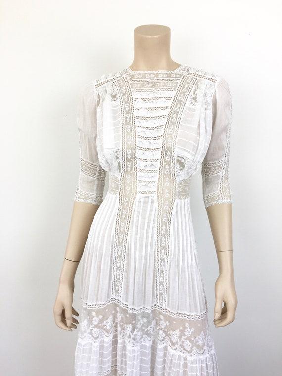 Antique EDWARDIAN White COTTON & LACE Lawn Dress - image 3