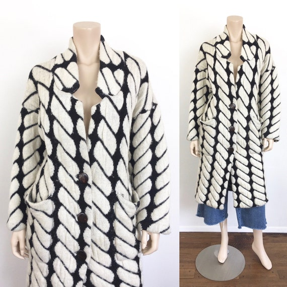 Vintage 1980s BLACK & WHITE Graphic OVERSIZED Swea
