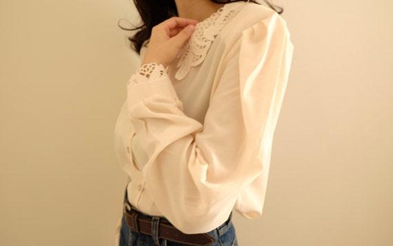 Vintage 60s Embroidered Collar Womens Satin Beige
