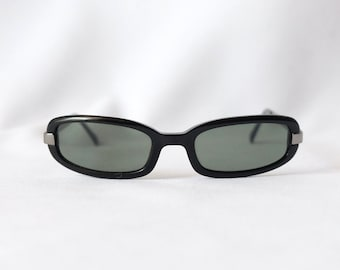 Vintage Moschino Authentic Womens Black Classic and Iconic Model Sunglasses from 90s