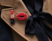 Lips brooch and lipstick brooch - Set of brooches