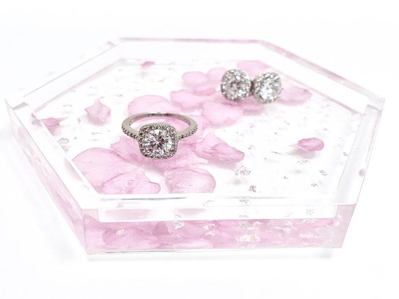 Pressed Flower Jewelry Dish Pink Flower Petal Resin Trinket Dish Hexagon Resin Flower Dish Flower Trinket Tray Silver Flower Ring Dish