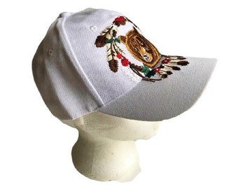 White Hat Baseball Cap Bear Animal Feather Native Indian Wind Catcher Casquettes
