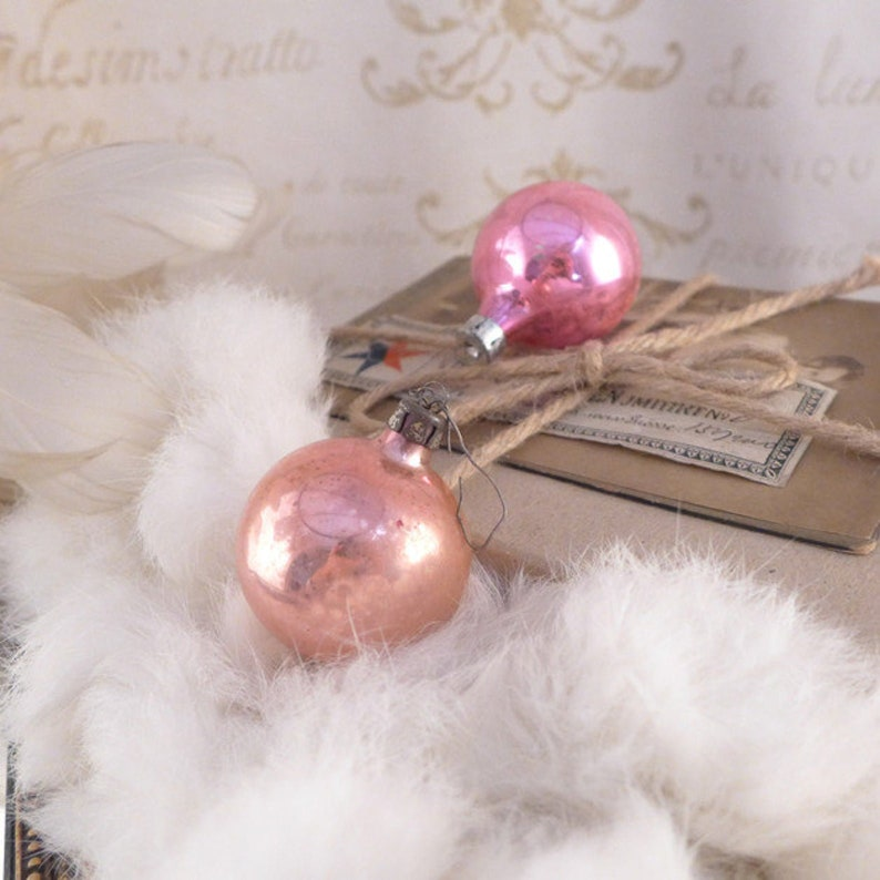 antiques christmas decoration vintage old Christmas balls brocante retro