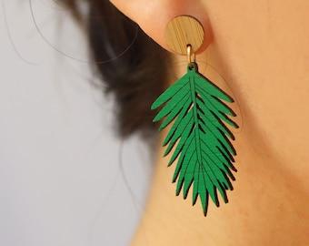 "Tropical Leaf Earrings Seed Beaded Wire Tree Stud 3/"" Lightweight Boho Palm GREEN"