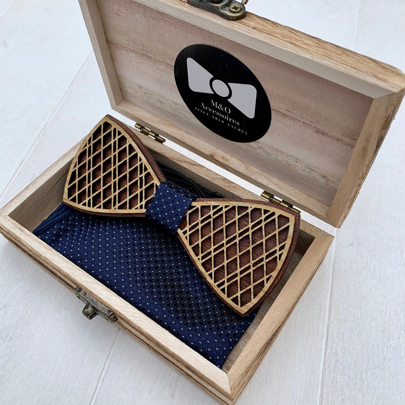 accessories for formal occasions Elegant wooden fly with pocket cloth in wooden box