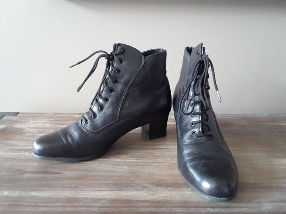 Vtg 90s Granny Boots / Black Leather / Victorian S