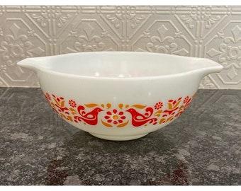 Pyrex Friendship Orange Bird Cinderella Bowl, #443 2.5 Quart Double Handled Bowl