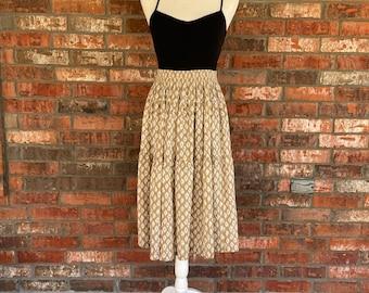 vintage beige white ikat tiered flouncy midi skirt Medium M 80s koret boho folk southwestern prairie twirly flirty feminine country skirt