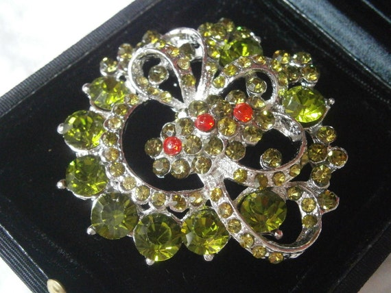 BIG FLOWER BROOCH with Swarovski crystals green an
