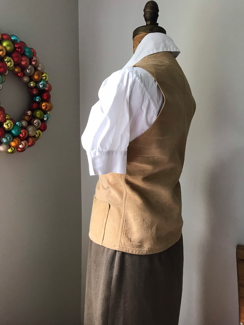 see pics for condition gently or roughly All these items are worn EXPLORER EDITION-1950s fitted women\u2019s small leather vest