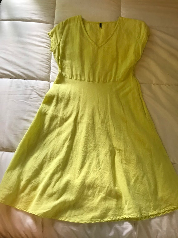 COLOR POP- yellow- nearly neon yellow dress from b