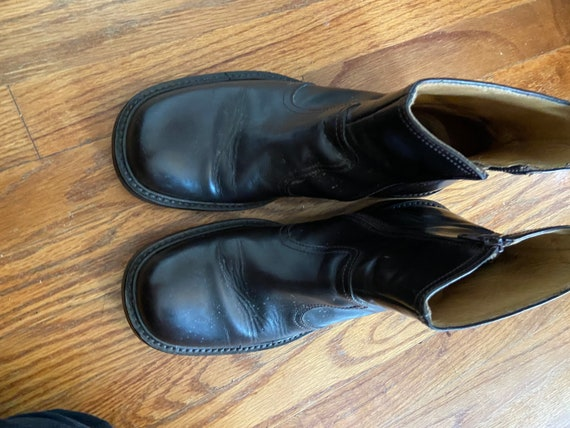 SHOE. SHINE. Dolce and Gabanna black Chelsea boot