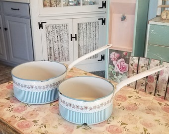 Pan and milk pot enamelled State correct French VINTAGE decoration kitchen home country set of 2 objects