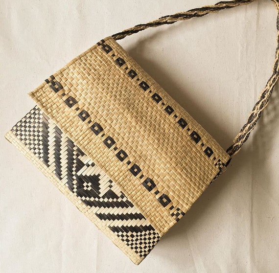 Vintage hand made rattan purse