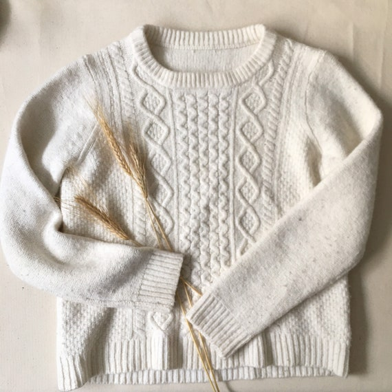 Soft Merino Wool Cable knit Cosy Sweater   Cropped