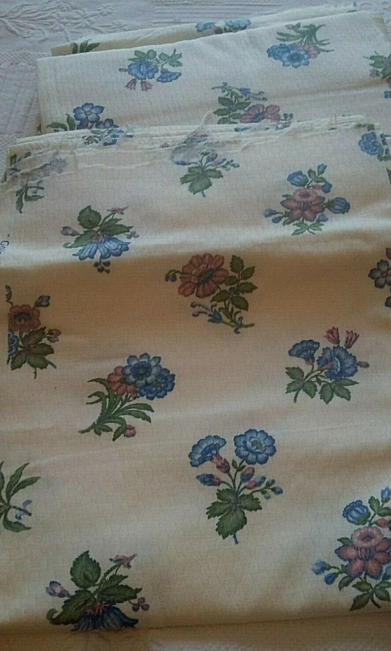 Vintage french set of three coupon of fabric Boussac Romanex flower decor