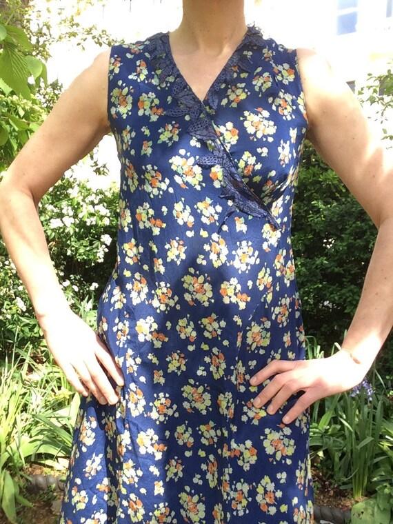 Vintage 1930s silk dress. Day dress. - image 3