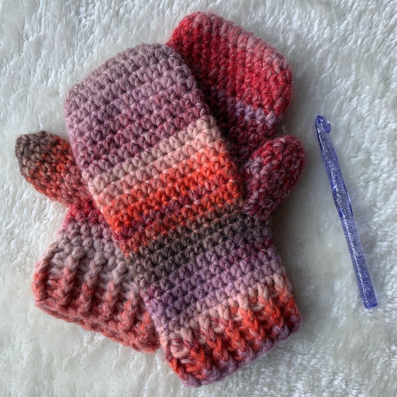 Smitten With Mittens  Easy Crochet PATTERN image 0